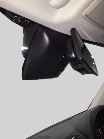 マツダCX-5のフロントガラスのセンサーのカバーの外し方