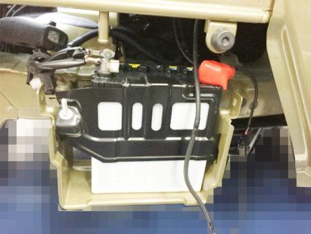 ハイゼットトラックリレー取り付けのバッテリーの位置