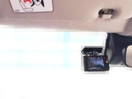 キャストフロントドライブレコーダー位置