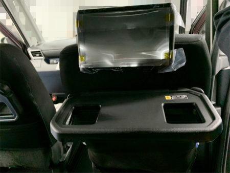 トヨタルーミーのリア(後席)モニターの取り付け運転席側